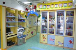 Lobby: Different kinds of toys, books, CD, VCD, DVD and computer are provided for children and parents