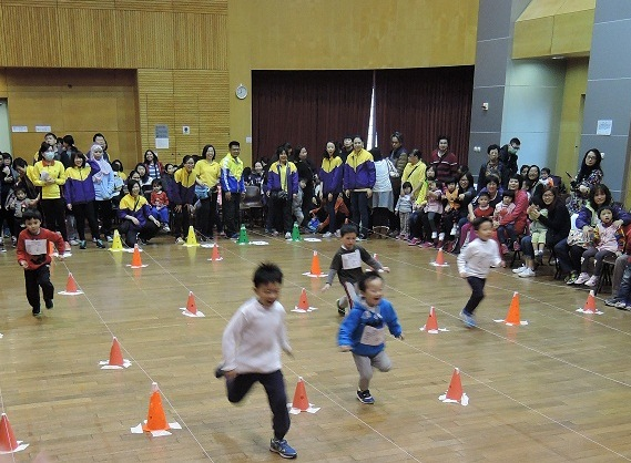 Methanex Asia Pacific Limited sponsored Wan Tsui Centre's Sports Day