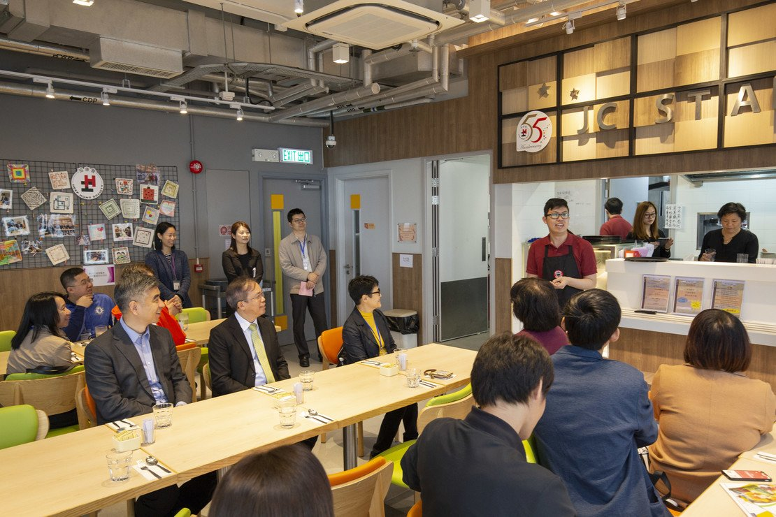 Photo 4 in The Macau Liaison Office leads the industry to visit the ISC building in Hong Kong