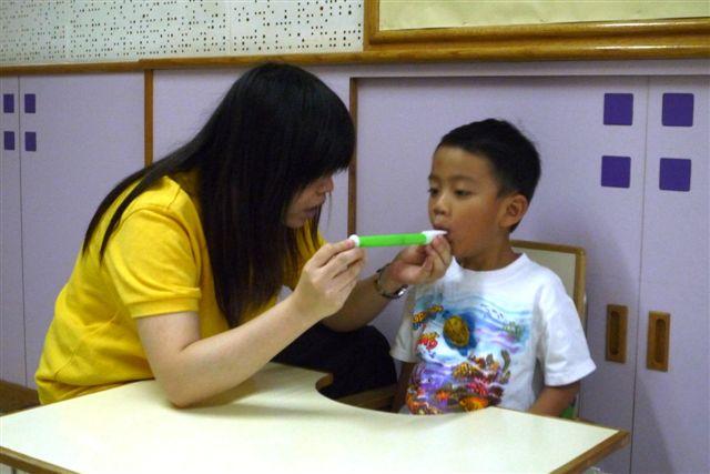 言語治療---口肌訓練