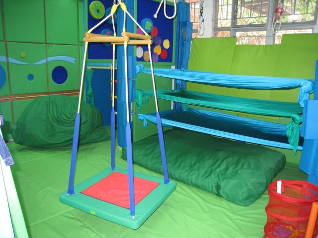 中心設有感覺統合治療室,為有感覺統合需要的學童提供合適的訓練。